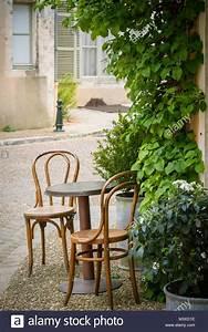 Kleiner Runder Tisch : kleiner runder tisch tisch kiefer massiv vollholz erlefarben junco a rund cm kleiner runder ~ Eleganceandgraceweddings.com Haus und Dekorationen