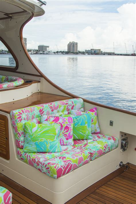 Lilly Pulitzer Boat by Lilly Pulitzer X Barton Gray S New Hinckley Yacht Palm