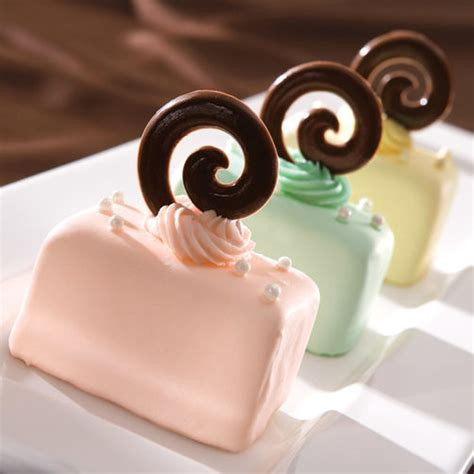 petit fours mini cakes recipe wilton