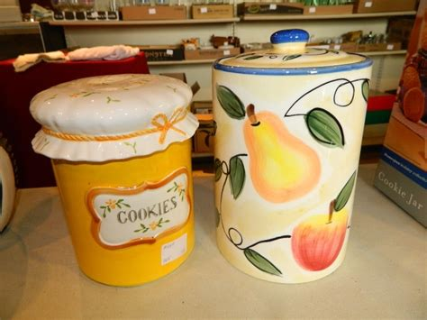 2 Country Kitchen Style Cookie Jars