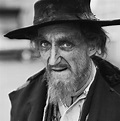 Oliver! actor Ron Moody dies aged 91