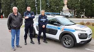 Nouvelle Voiture De Police : les angles nouvelle voiture de patrouille pour la police municipale objectif gard ~ Medecine-chirurgie-esthetiques.com Avis de Voitures