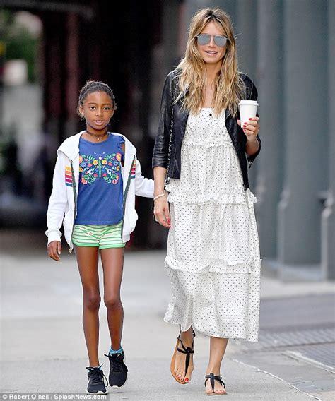 Heidi Klum Youthful Mirrored Sunglasses Out Nyc
