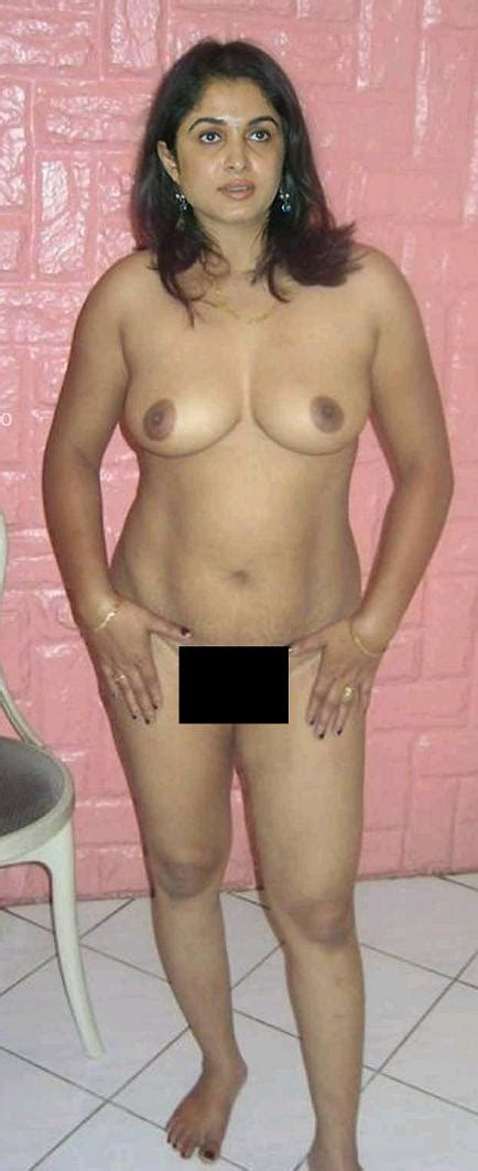 collection of best fakes topless bums show pics i enjoyed from net want to fuck all these