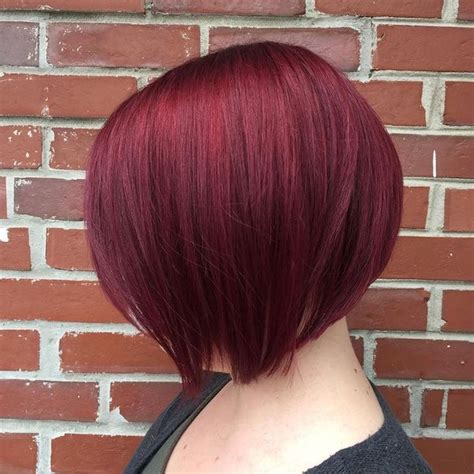 Coupe cheveux courts couleur rouge | Coiffures populaires