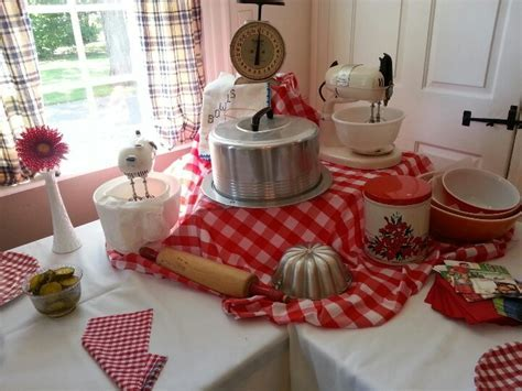 Retro bridal shower! [Lauren's 50's Housewife Bridal