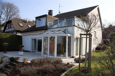 Wohnung Mit Garten Remscheid by Komfort Wohnen Immobilien Makler Und Wohnberatung F 252 R