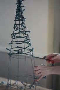 17 apart diy tomato cage christmas tree lights decorating ideas pinterest christmas