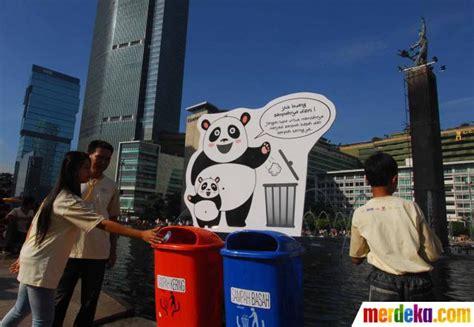 foto kesadaran membuang sampah  tempatnya merdekacom