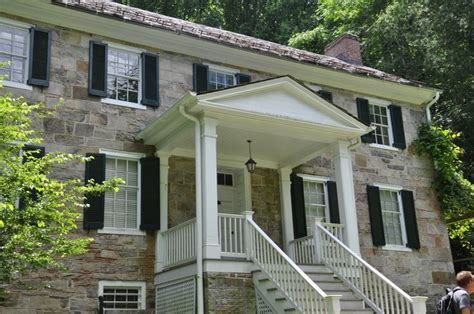 images  colonial revival homes  pinterest
