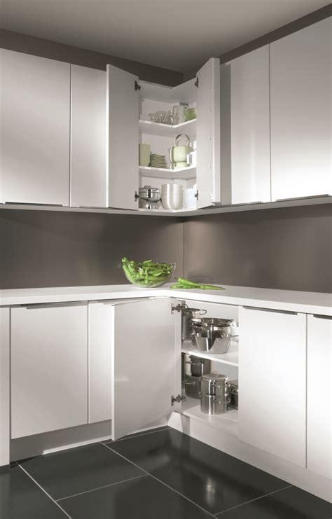 meuble d angle cuisine astuces pour meubles d 39 angle cuisiniste aviva