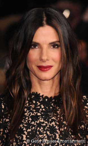 lisos ou ondulados qual cabelo fica melhor na atriz