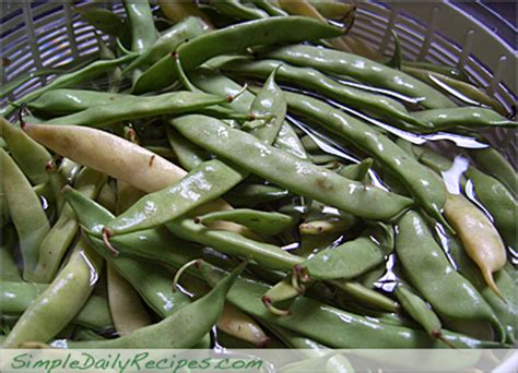 what to do with fresh green beans how to cook fresh snapped green beans simple daily recipes