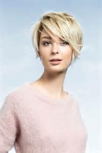 coupe courte cheveux frisã s les 25 meilleures idées de la catégorie coupe courte dégradée sur coupe dégradée