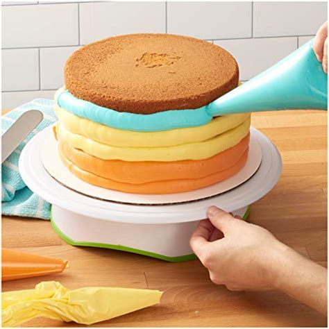 wilton trim  turn ultra cake decorating turntable cake