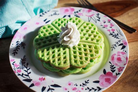 pandan waffles recipe banh kep la dua food