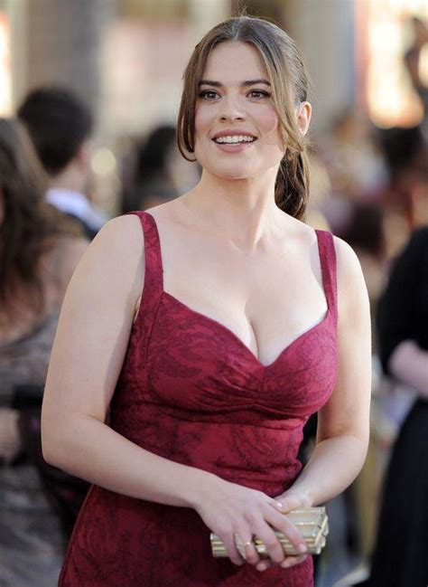 hayley atwell famous nipple