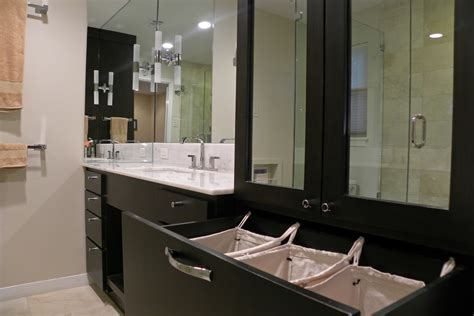 good  laundry hamper  bathroom midcentury