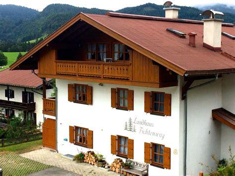 Ferienwohnung Im Landhaus Fichtenweg, Chiemgau Firma