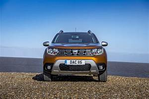 Pack Off Road Duster : dacia duster takes on suzuki vitara and jeep renegade in budget suv review autoevolution ~ Maxctalentgroup.com Avis de Voitures