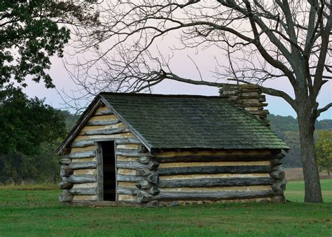 Log Cabin : The Architecture Of The Log Cabin