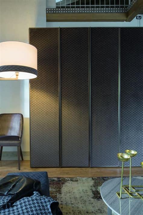 armadi in tessuto armadio in legno con cornici in metallo rivestito in