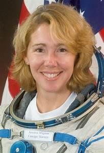 Astronaut Biography  Sandra Magnus