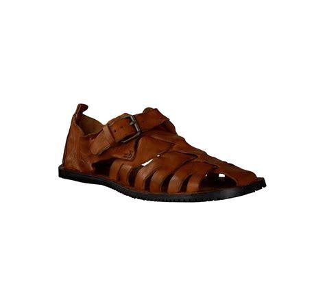 bruce brown leder sandalen fuer herren  braun im