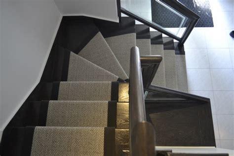 poser un tapis d escalier tapis escalier montr 233 al tapis andr 233 viau