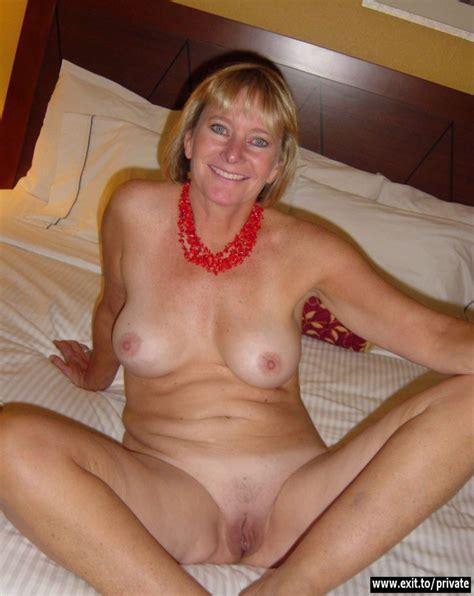 shameless sex exposure mature mom by amandagirl xvideos