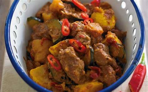 Thai Red Pumpkin Curry Recipe by Pork And Pumpkin Red Curry Recipe Goodtoknow