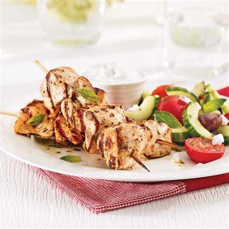 cuisine recettes pratiques souvlakis de poulet et tzatziki recettes cuisine et
