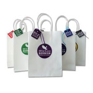 White Cheap Family Reunion Gift Bag with Colorful Decal