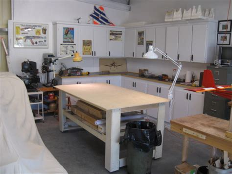 rc model airplane shop table   build