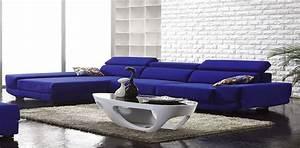 Canapé Bleu Roi : id e d co de salon bleu avec des murs blanc et canap bleu ~ Teatrodelosmanantiales.com Idées de Décoration