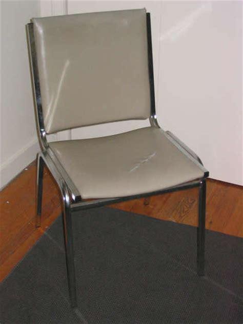 fonction d une chaise fabriquer une chaise design en balles de tennis conseils astuces bricolage décoration et jardin