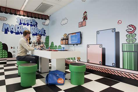binnenkijken  de speelse kantoren van coolblue