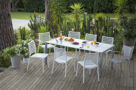 chaise salon de jardin mobilier et salon de jardin grosfillex