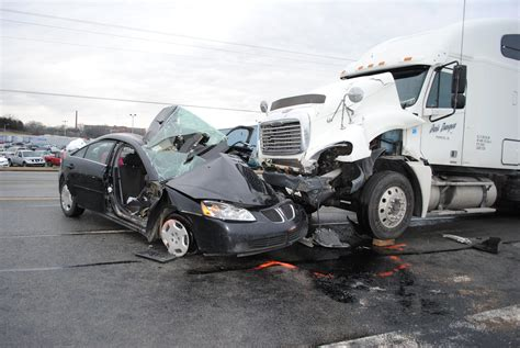 Hurt In A Semi Truck Accident? Let Mike Help You Win, Get