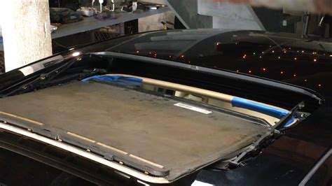 remove sunroof glass  replace shade guide clips