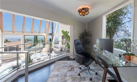 Contemporary Luxury Villa Perched Atop Hollywood Hills ...