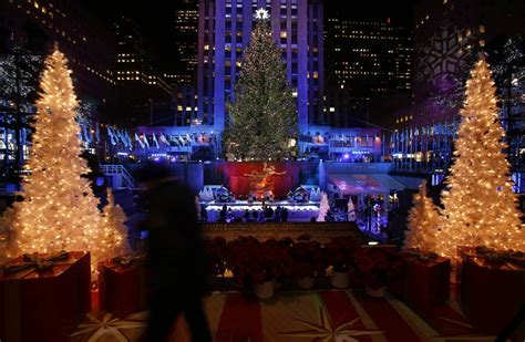 when is the christmas tree lighting nyc christmas 2012 rockefeller center tree lit ahead of