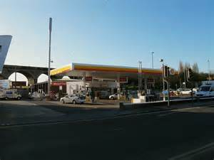 Shell Garage Road by Shell Garage Kirkstall Road 169 Stephen Craven Geograph