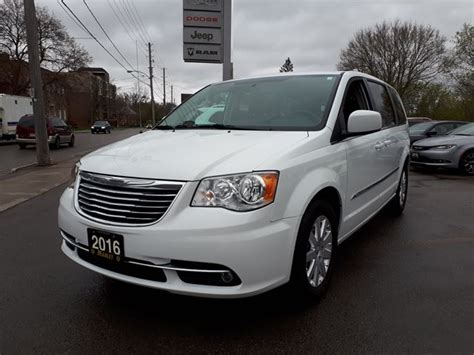 town and country erfahrungen 2016 2016 chrysler town and country touring lindsay ontario used car for sale 2641264