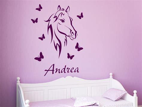 Wandtattoo Kinderzimmer Lila by Wandtattoo Bezauberndes Pferd Mit Name Wandtattoo Pferd