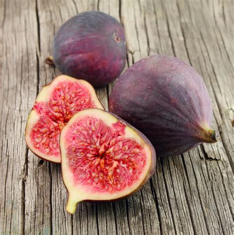 comment cuisiner les figues fraiches astuces du chef cyril lignac comment cuisiner la figue