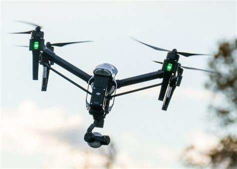 dual controller drones dji  inspire  quadcopter