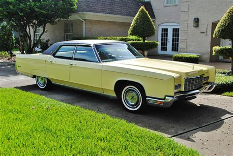 File:1972 Lincoln Continental 2.jpg - Wikimedia Commons