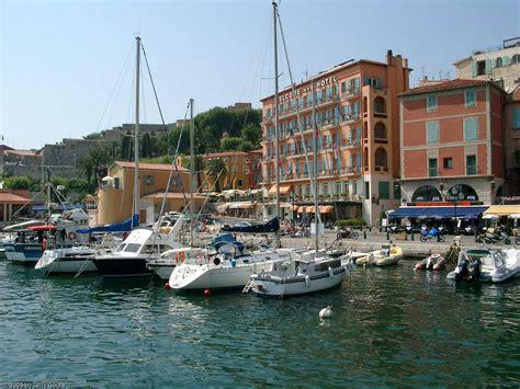 port de villefranche sur mer villefranche sur mer a paradise for billionaires