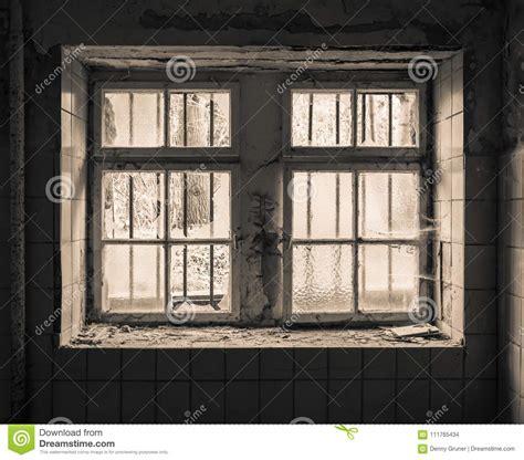 Herbst Deko Altes Fenster by Altes Fenster Mit Gitter Stockfoto Bild Rostig